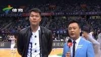 深圳大运中心赛前现场  球员朱芳雨接受访问