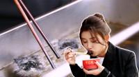 名扬海外的长沙臭豆腐!最低10元,蘸料满满,咬下去汁都能炸出来