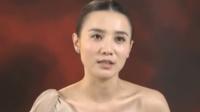 一个外国人从天而降,吓坏了当地的藏族人,他们既好奇有紧张
