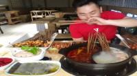 哥哥吃播美食,火锅撸串,餐厅有特点,吃的好。