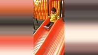 宝宝游玩溜滑梯,好玩不?