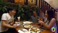 在老挝开餐厅的云南美女老板,邀请大明去吃老挝菜,拍于琅勃拉邦