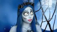 当这位女子化妆打扮成僵尸新娘,大家觉得有几分相像?
