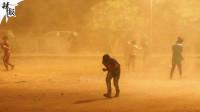 印度多地遭遇极端天气 约30人死亡