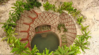 建造水井房和游泳池