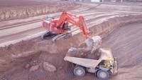 挖掘机工作视频,高效率就是要挖掘机和卡车的完美组合!
