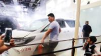 """2019年上海车展,丰田埃尔法彻底""""火""""了一把,到底是什么原因呢?"""