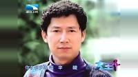 残疾歌手舞台感动亿万富豪李春平,现场唱歌送他,画面令人心酸