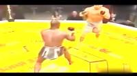 比泰森还狂暴的黑人拳手,只要上场就是残暴KO,裁判跪求别打了