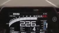 时速190KM还被摩托车超越,什么鬼?