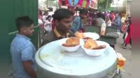 来到印度美食街, 实拍印度人都吃什么小吃价格很便宜!