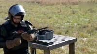 AR15极限射击测试,老外打到枪管起火,热感应相机一片金黄