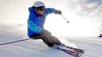 太会玩了,国外牛人用无人机滑雪,另类体验不一样的速度与激情