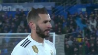 西甲-本泽马哑火纳瓦斯屡救险 皇马0-0客平赫塔菲