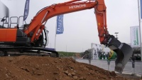 日立210挖掘机