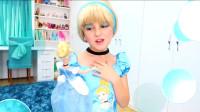 国外小女孩化了一款仿芭比娃娃的妆,清新自然,超有爱的画面呢