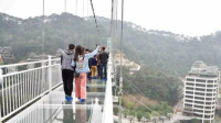龙门水都玻璃吊桥
