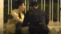 贾乃亮深夜醉酒疑耍酒疯,踉跄回家背影孤独真跟李小璐离婚了?