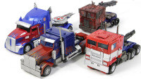 梦寐以求的4款变形金刚航海家级擎天柱卡车改装机器人变形玩具开箱展示