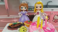 苏菲亚和安柏送妈妈母亲节礼物,她俩谁送的礼物更好呢?