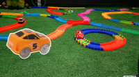 哇,汽车总动员居然有这么好玩的赛道,简直太精彩了!儿童玩具故事