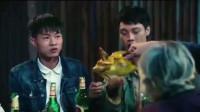 许华升和广东雨神最新喜剧,阿升和房东争烧鸡吃,广东雨神:小心有毒