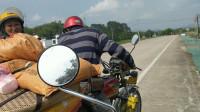 摩托车旅行最开始的样子,老情侣携手骑125环游中国,和就是爱