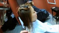 论发型的重要性,女子把这黄色头发剪短一下,有气质多了