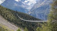 全球最长的步行吊桥,宽度只有63厘米,连接了瑞士最美的小镇!