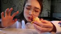 吃播小姐姐哎哟阿尤,吃美味小吃7样,看她吃的好过瘾,想吃