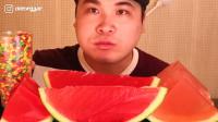 韩国donkey吃播:彩虹糖+西瓜果冻,这个搭配真奇葩,但吃得真香