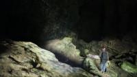 几十公里长的溶洞,小伙探险一路上却意外不断,至今没人敢走完!