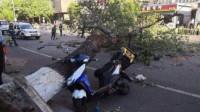 北京大风致一围墙倒塌  3行人不幸被砸身亡