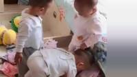 大哥带着二胎双胞胎弟弟,开始拆家了  网友:养了三只哈士奇
