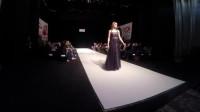 黑色纱裙展示很成功,模特也很出色