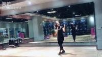 今天去金华道恩健身江南店开会,拍个小视频,谢谢弯弯给我拍视频