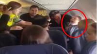醉酒女子飞机上狂喊要让乘客坠机  华裔男子被骂到要换座位