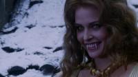 吸血僵尸家族肆虐人间危害一方,天使长加百列下凡化身狼人大战吸血鬼德古拉
