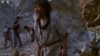 京都球侠,义和团的大哥被年轻人欺负,老头气功震碎石头,气压当场