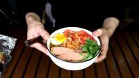 """试吃东北鲜族特色小吃""""荞麦冷面"""",加工后还真好看"""