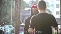爆笑整蛊:街头抢手机,看看人们被抢后的反应