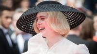 艾丽范宁亮相《好莱坞往事》红毯 复古装扮格外吸睛