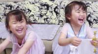 4岁双胞胎姐妹与父母互换身体成功,两个小宝贝直呼太累了,真逗