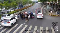 浙江一男子围观车祸现场 结果自己也被撞了