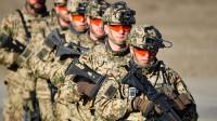 世界上唯一一个男兵女兵同吃同睡同训练的国家111