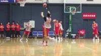 NCAA球员闪耀中国男篮集训课 张镇麟惊天暴扣