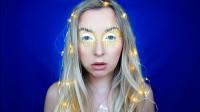 国外小姐姐奇葩太阳妆,头发上的小灯很有创意,带你领略国外潮流