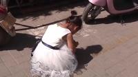 """郑州""""奥迪女""""因孩子挡路 直接下车掌掴五岁女童 警方:已拘留12天"""