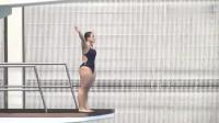 回顾:女子跳水运动员失误,这一幕太逗了,水花真尴尬