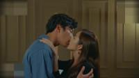 《她的私生活》馆长和德美吻了那么多次,这一次的吻最温柔、最甜蜜、最唯美